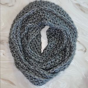 Aeropostale Infinity open stitch winter scarf Gray